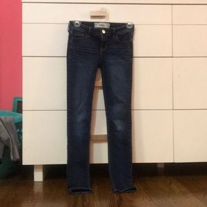 Cute hollister jeans dark jegging material